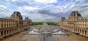 louvre_museum_courtyard