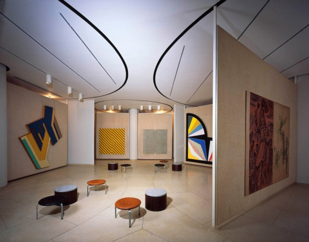 painting-gallery-philip-johnson-new-canaan-interior